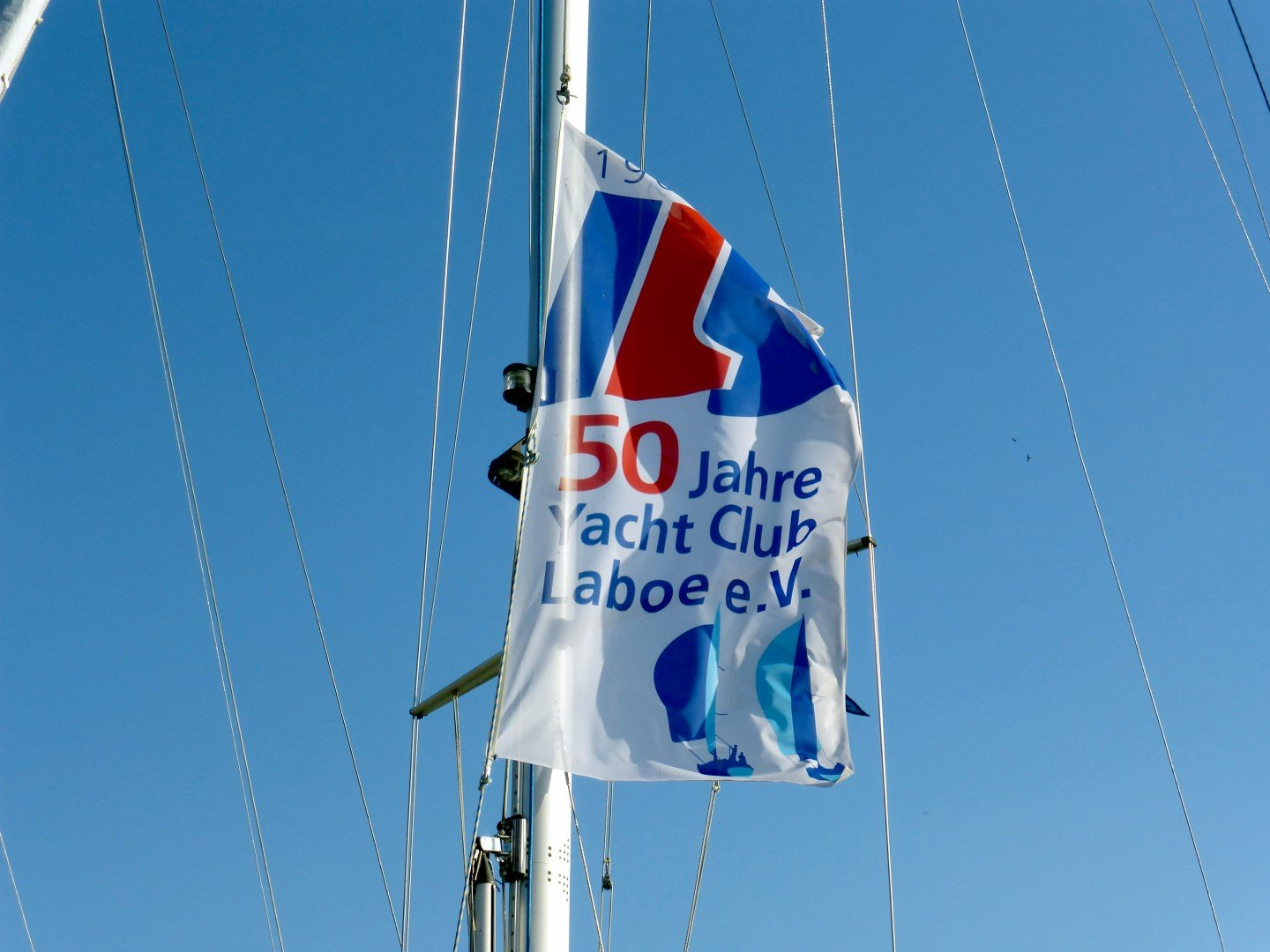 Flagge 50 Jahre YCL